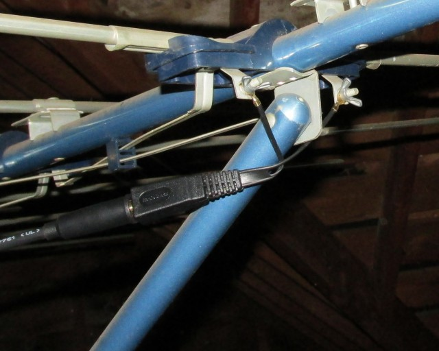 Our old blue antenna, attached to the new balun and coaxial cable